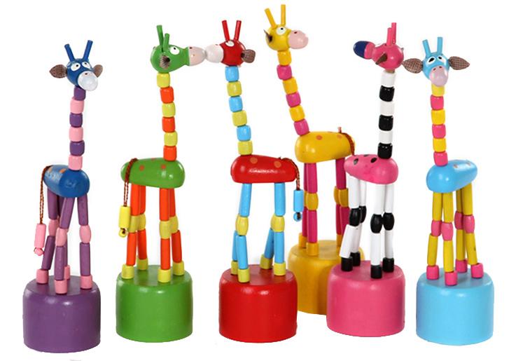Деревянные игрушки Папа Карло Игрушка-стучалка Папа Карло «Жираф» в ассортименте папа карло развивающая игрушка яблоня