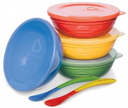 Тарелки и миски Munchkin Набор Munchkin миска с крышкой 4 шт. + ложка 2 шт. munchkin с крышками и 2 ложки