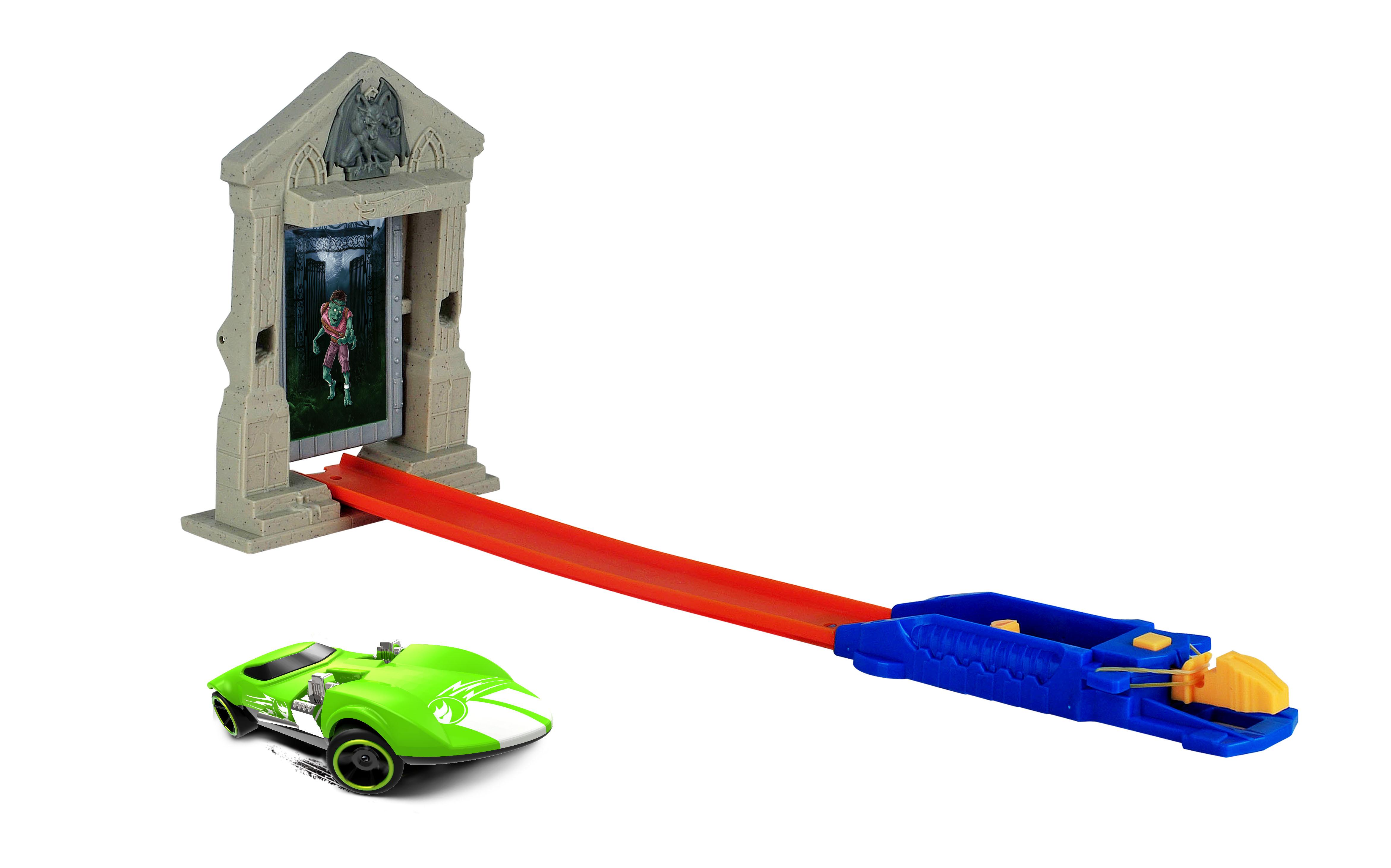 купить Игровой набор База игрушек Улетные гонки: Охотник на зомби недорого