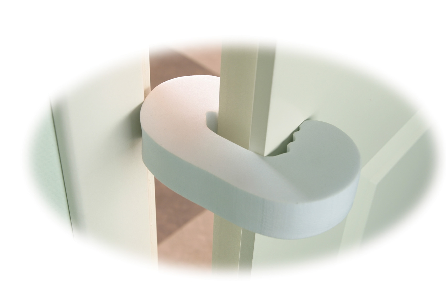 Безопасность Мир детства Фиксатор двери Мир Детства 19006 блокирующие устройства мир детства блокиратор для стеклянных дверей