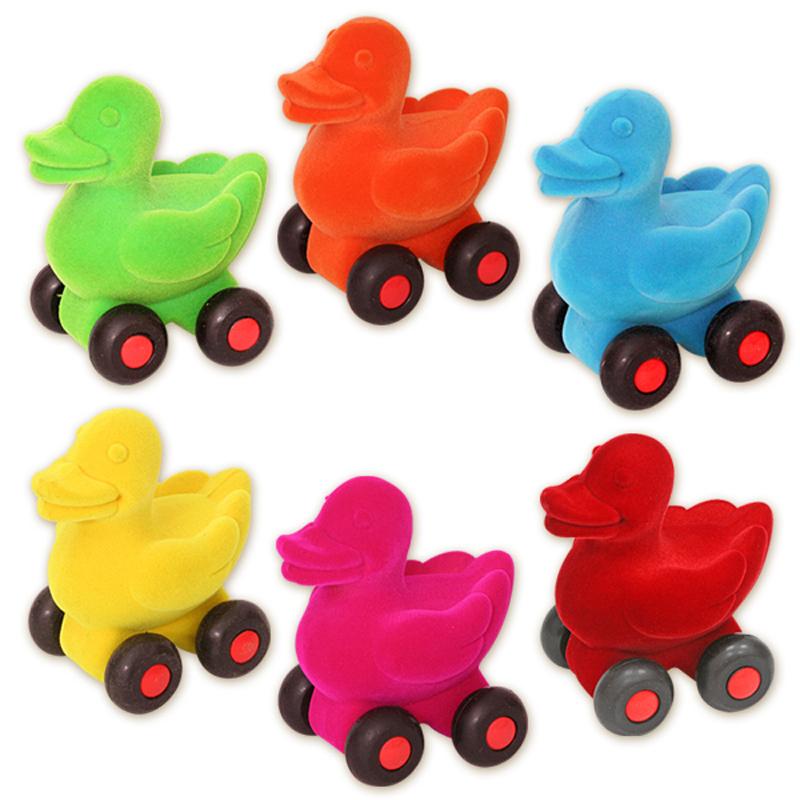 Развивающие игрушки Rubbabu Утенок машины rubbabu скутер из натурального каучука с флоковым покрытием 21 см